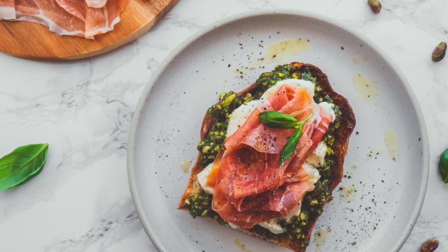 Pistachio Pesto with Parma Ham - Recipe - Food Blog
